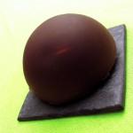 Gâteau au chocolat, à la poire et aux châtaignes