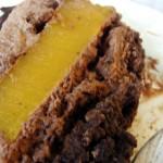 gâteau au chocolat et aux fruits de la passion